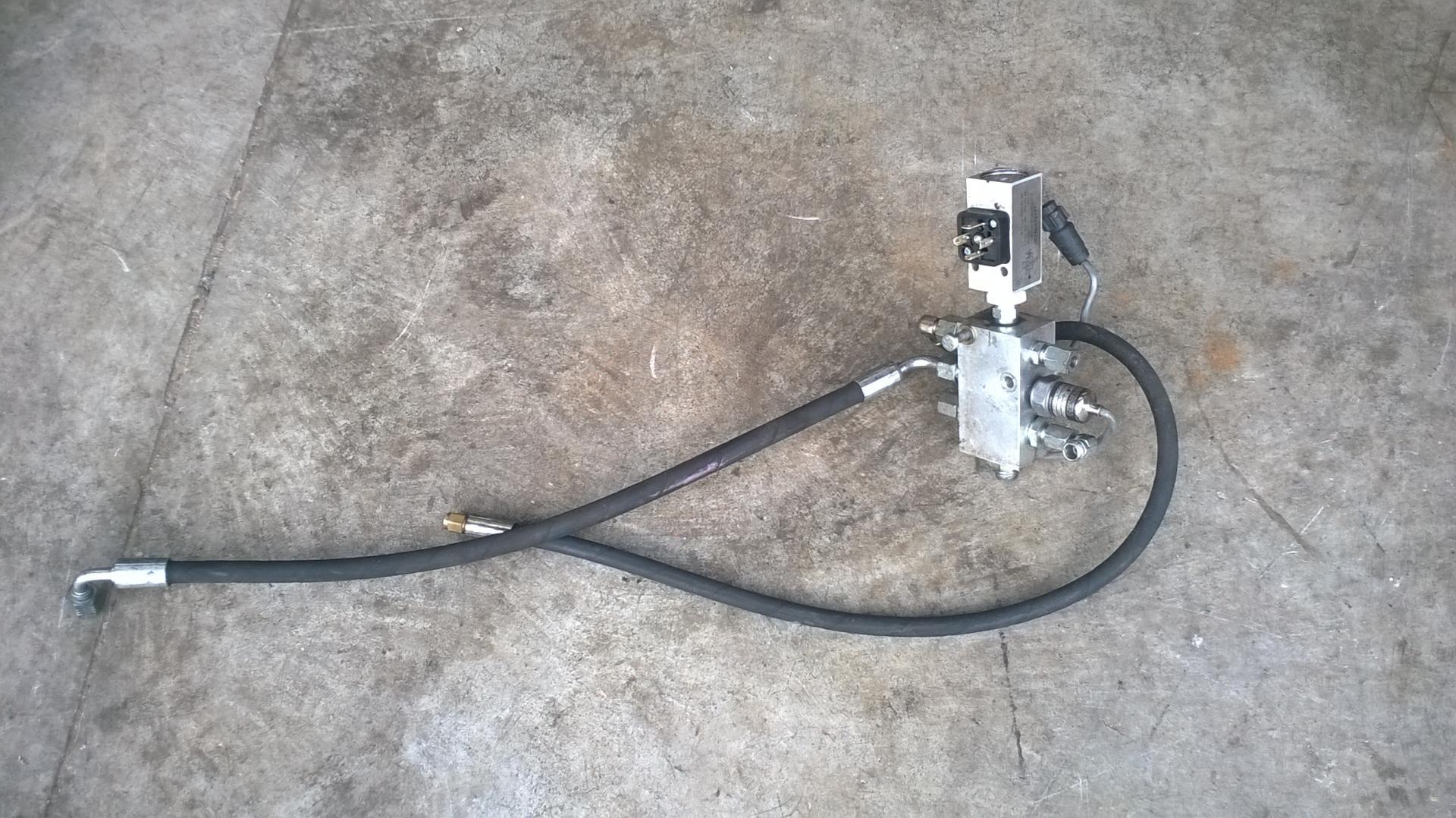 Bloc de distribution d eau capteur de pression